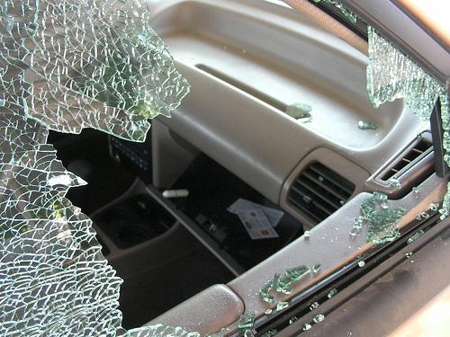 Erwischt: Zwei Jugendliche aus dem Raum Schotten haben zugegeben, mehrere Autos mit Druckluftwaffen beschossen zu haben. Symbolfoto: Becky Stern/Flickr, CC by 2.0