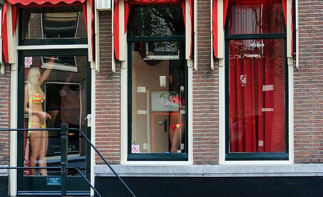 Rotlicht-Symbolfoto. Bild: Red Light District von Valdiney Pimenta/flickr; Lizenz: CC by 2.0
