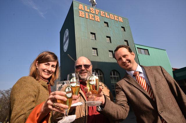Wollen das Alsfelder Bier gemeinsam erhalten: Ruth Herget-Klesper, Braumeister Josef Lichter und Ulrich Klesper. Fotos: jal