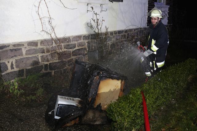 Einsatz beim, nicht im Hotel Krone: Die Feuerwehr musste ein Sessel löschen. Foto: privat