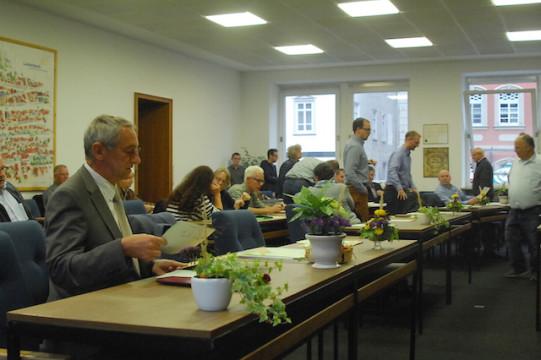 Blick in den Sitzungssaal: Die Abgeordneten bei ihrer letzten Sitzung an diesem Ort.