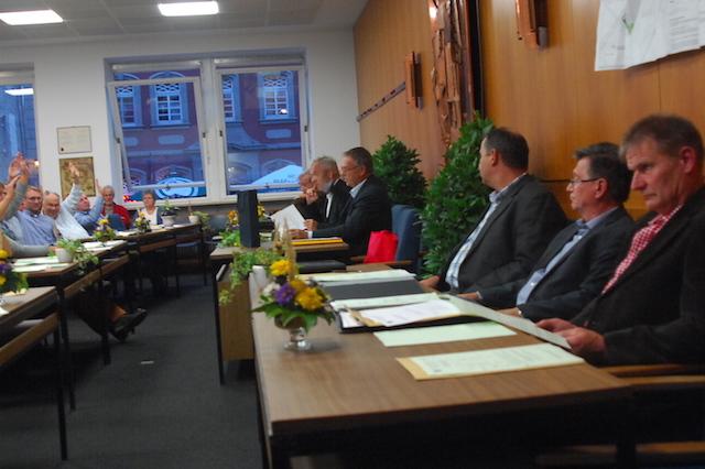 Time to say Goodbye: Ein letztes Mal Tage das Lauterbacher Stadtparlament in seinem alten Sitzungssaal. Fotos: awh