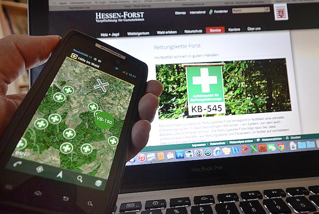 """Zeigt den Weg zum nächsten Rettungspunkt: Die App """"Hilfe im Wald"""". Foto: jal"""