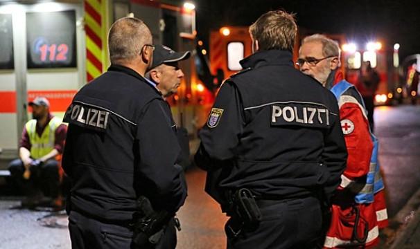Werden lieber ein Mal mehr gerufen, als ein Mal zu wenig: Die Einsatzkräfte der Polizei. Unser Archivbild zeigt den Einsatz an der Homberger Unterkunft vergangene Woche.