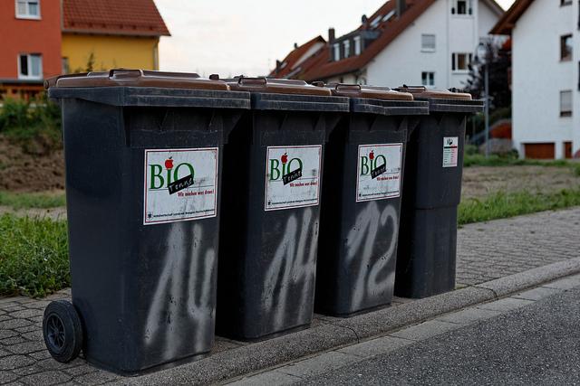 Das ewige Streitthema im Vogelsberg: Die Biotonne. Symbolfoto: Biotonne by Martin Wölfle/flickr, CC by ND 2.0