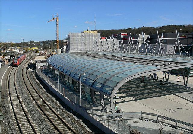 Ort des Unglücks: Der neue Busbahnhof von Wetzlar. Foto: Busbahnhof in Wetzlar by Koray1704 /wikipedia, CC by-SA 3.0.