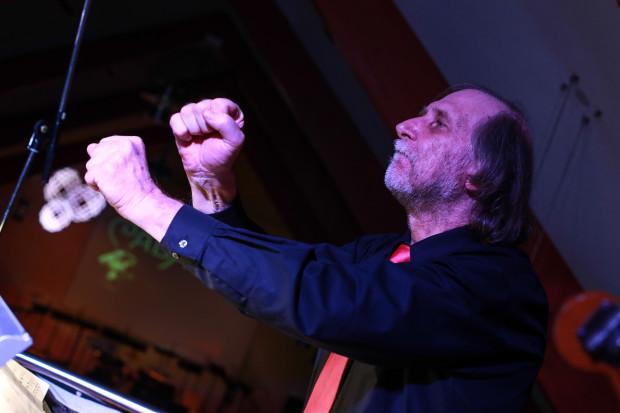 Harald Kräher - Dirigent des Happy Sound Orchestra aus Neustadt.