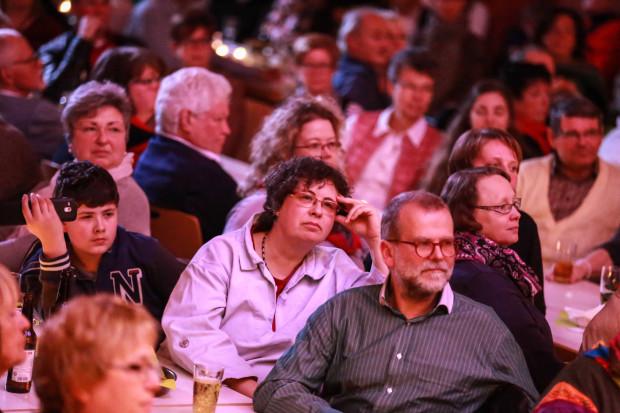 Gespannt lauschten die Zuschauer im Bürgerhaus Romrod den Darbietungen der Sänger.