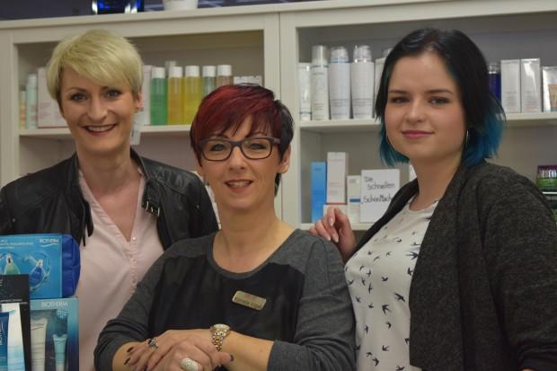"""Das Team der Parfümerie """"Mainzer Tor"""" in Alsfeld freut sich über eine hoffentlich erfolgreiche Neueröffnungswoche und über zahlreiche Gäste. Foto: ls"""