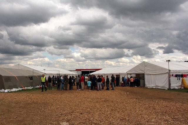 Das Flüchtlingscamp Calden auf einem Archivfoto: Hier soll es am Sonntag zu Streitigkeiten mit insgesamt acht Verletzten gekommen sein. Archivbild: privat