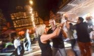 Ausgelassene Stimmung vor bekannter Kulisse: Die Tanzfläche auf dem Alsfelder Rathaus. Foto: jal