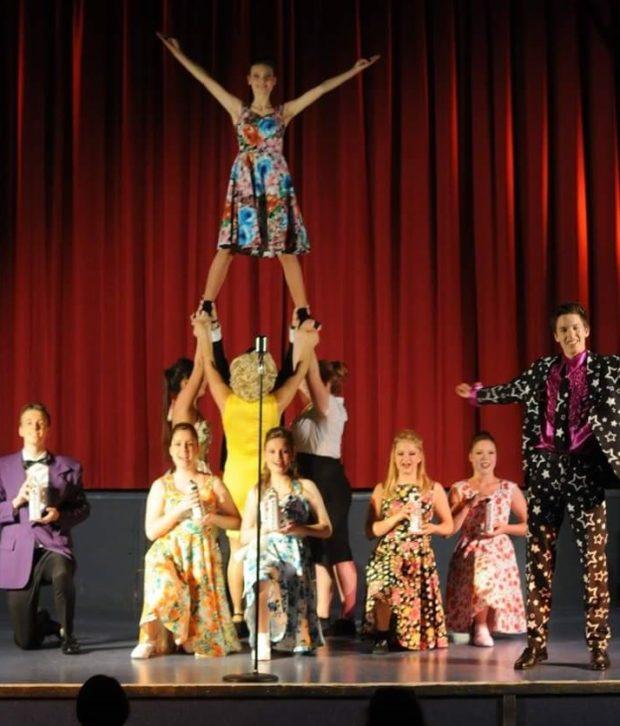 Mit viel Spaß dabei: Die SchauspielerInnen vom Theater Traumstern. Foto: Stefanie Flaugner.