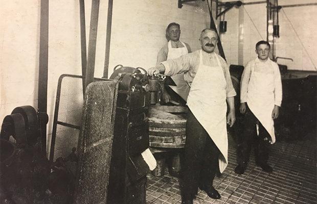 In der Wurstküche, Vater Sohn und Geselle