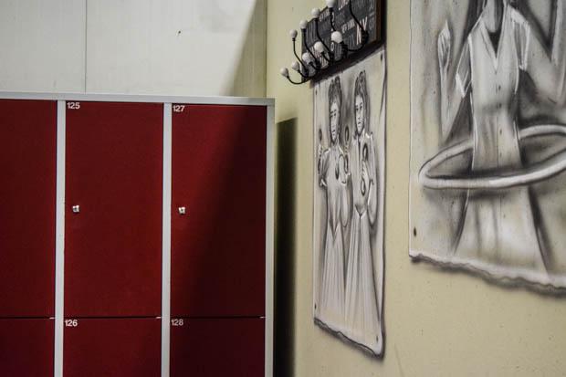 Auch die Kunden wurden mit einbezogen in den neuen Bereich: Auf der Facebookseite des Fitnessstudios konnte über die Farbgebung der Umkleidekabinen abgestimmt werden. Foto: ls