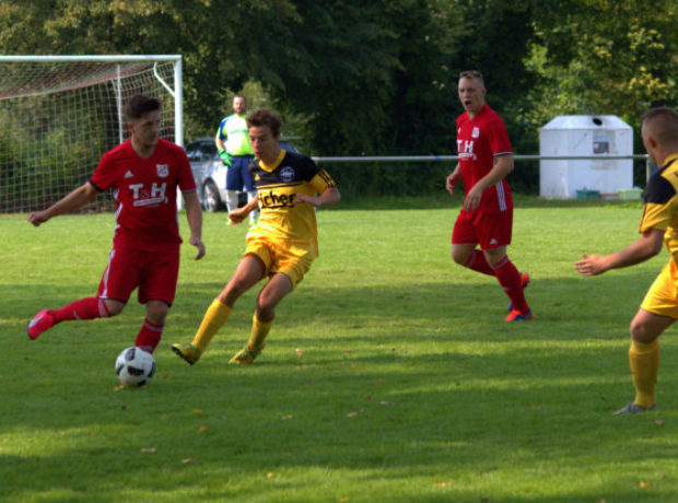 2017-08-27-Fussball-Hattendorf-Queckborn (3)