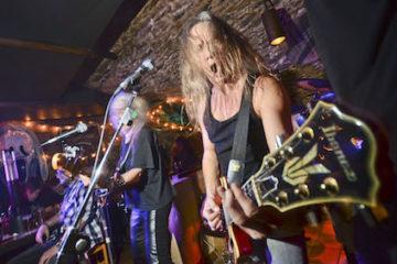 Auftritt einer Band beim Kneipenfestival 2015 im Alsfelder Rockkeller. Die Kneipe wird wohl schließen. Foto: jal/Archiv