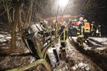 Unfall bei Schneeglätte. Fotos: privat