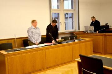 Der Angeklagte Maik H. mit seinem Anwalt Michael Simon. Fotos: jal