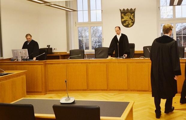 Der Vorsitzende Richter Jost Holtzmann bei der Eröffnung der Verhandlung am Montag. Fotos: jal