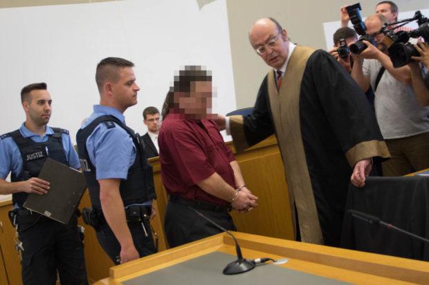 Der Angeklagte im Gerichtssaal. Foto: OL/Archiv
