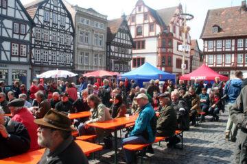 So sah es vor zwei Jahren aus: Die Kundgebung zum 1. Mai auf dem Alsfelder Marktplatz