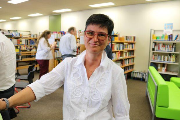 Eine Bibliothekarin datiert