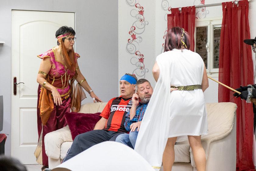 2019-11-09 Theater-NixGeldNixLiebe_Hopfmannsfeld-19