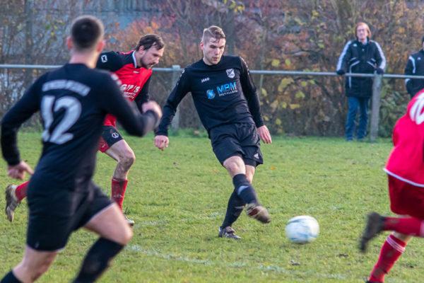 2019-11-24_Fussball_KLA_Ohmes-NdrOfleiden-9